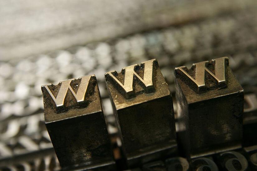 Caratteri per la stampa tradizionale e i vantaggi della stampa online. Tipografia Printered