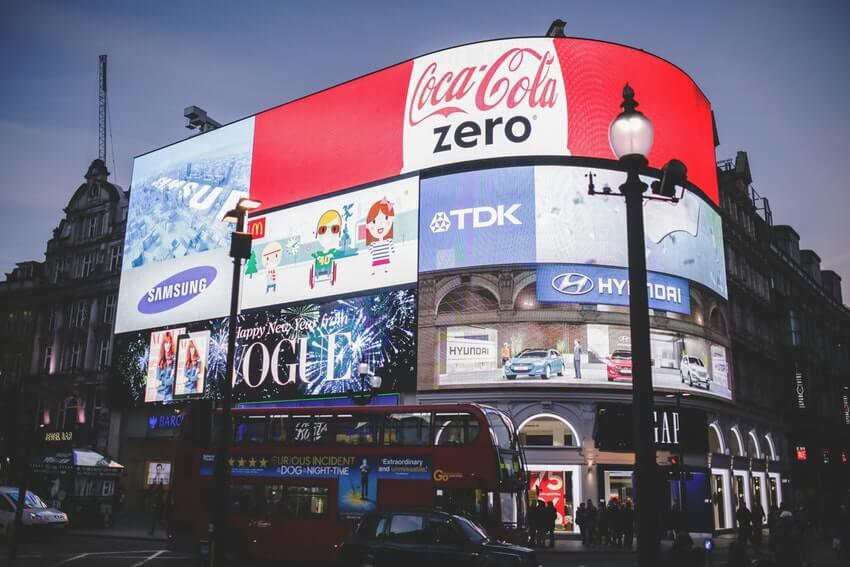 cartelloni elettronici pubblicitari